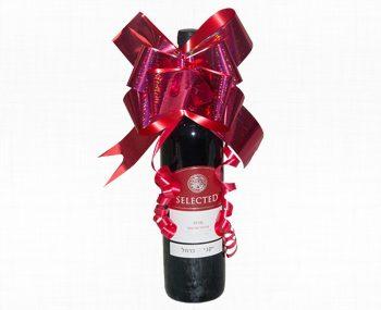 בקבוק יין אדום