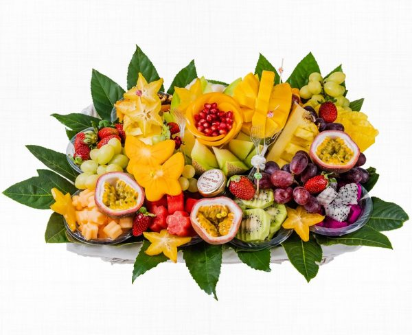 אגדת קוסמוי - פירות העונה בתוספת טבלת שוקולד